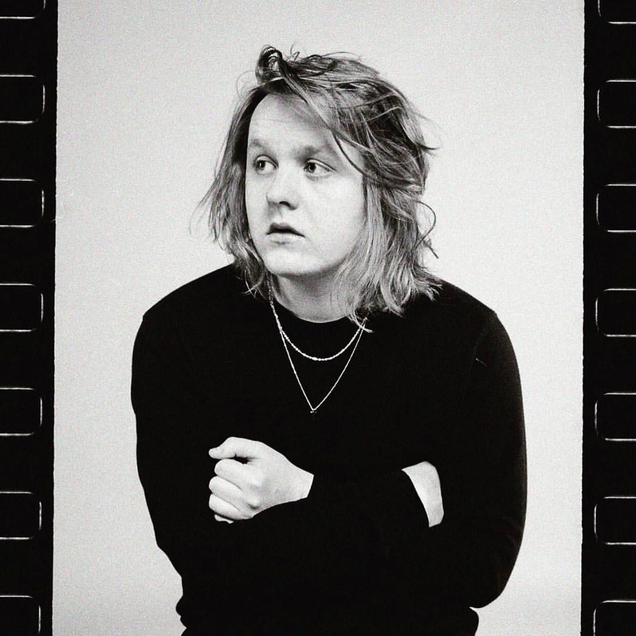 lewis capaldi - photo #6