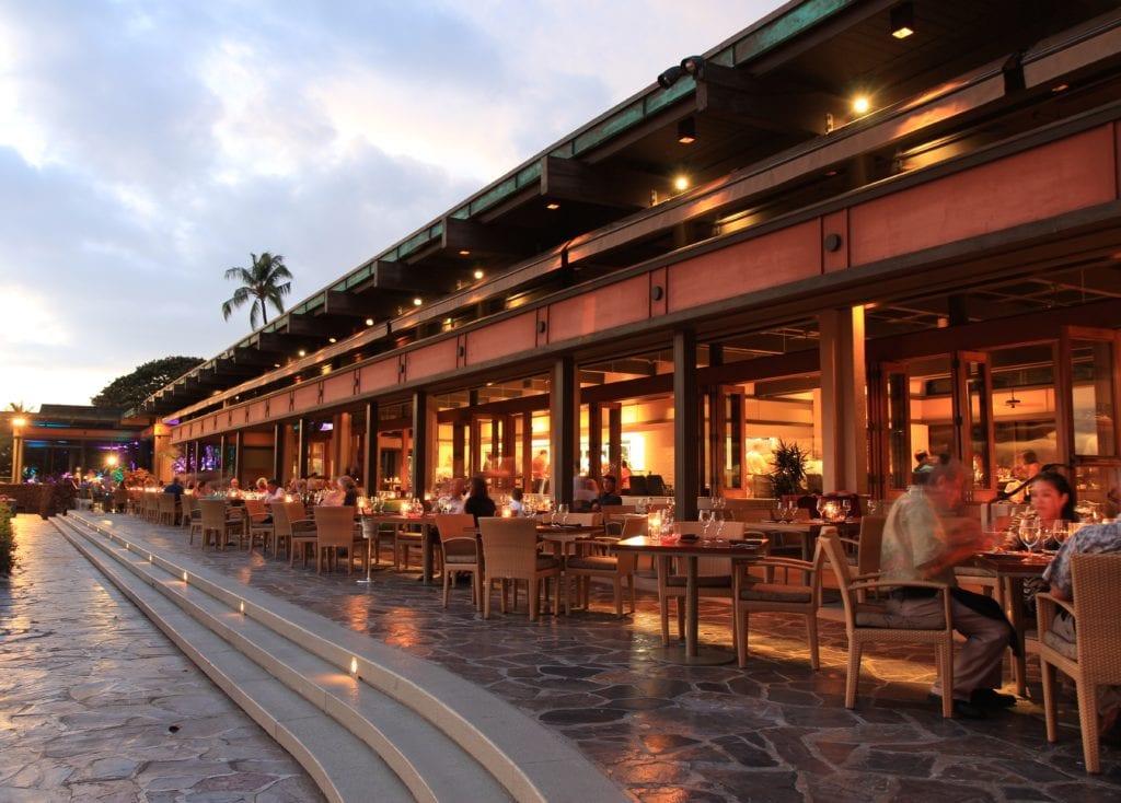 Manta is the Mauna Kea Resort's fine dining restaurant overlooking Kauna'oa Bay