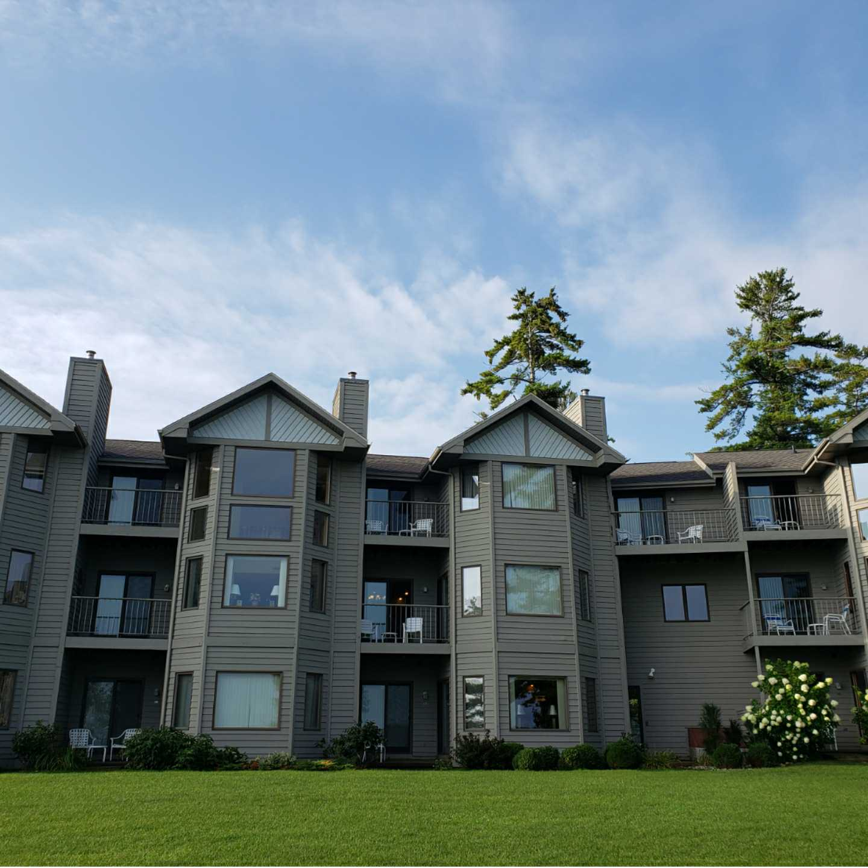vacation homes, rentals, condominiums, cooperatives, Vaughn Lowery, 360 MAGAZINE